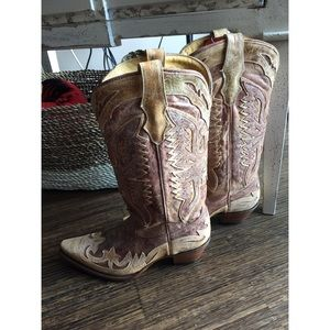 Shoes - Distressed Cowboy Boots